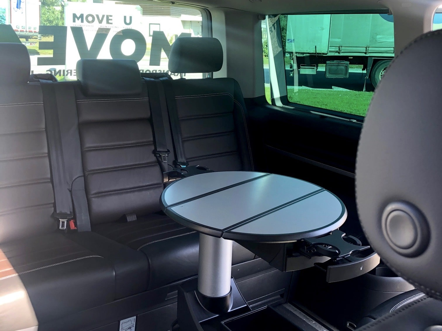 VW-Multivan-Move4u-interior